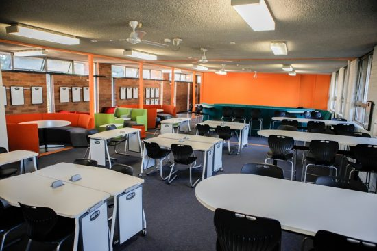Teknik tables, mobile tables paired with Ariah reverse cantilever chairs in classroom