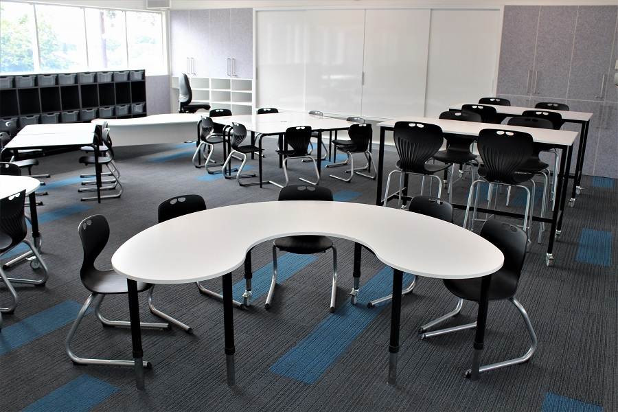 MeetMe table & Moment High Tables paired with Ariah chair range in classroom